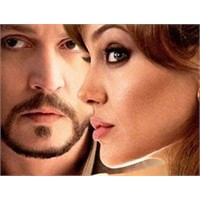 Angelina Ve Johnny Aynı Filmde