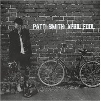 "Yeni Şarkı: Patti Smith ""April Fool"""