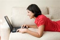 İnternette Kadınların Daha Dürüst Olduğu Ortaya Çı