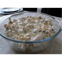 Tavuklu Yoğurtlu Salata