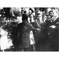 Atatürk'ten Bir Öykü; Köy Ağasının Silahlığı
