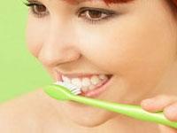 Ortak Kullanılan Diş Fırçaları Tehlikeli