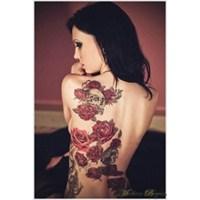 Bayanlar İçin Gül Desenli Dövme Modelleri