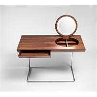 Aynayla Süslenmiş Masa