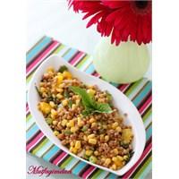 Mısırlı Ve Biberli Buğday Salatası