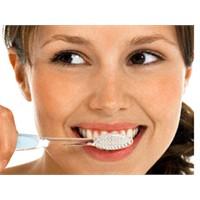 Kilo Vermek İçin Dişinizi Fırçalayın!