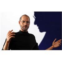 Steve Jobs'un Hayranlarına Özel Figürü Satışta!
