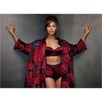Beyonce Göz Kamaştırıyor Ki!!