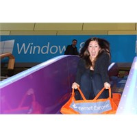 Video- Microsoft' Dan Sıradışı Windows 8 Reklamı!