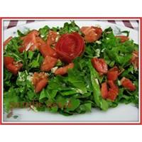 Akdenizin Sarımsaklı Roka Salatası
