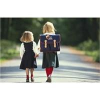 Çocuğunuzun Okula Tek Başına Gitmesine İzin Verin!