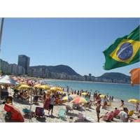 Brezilya'nın Düşkünü, Beyaz Giyer Kış Günü!