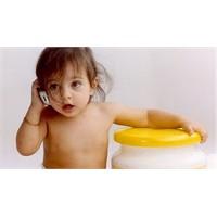Cep Telefonunu Bebeklerden Uzak Tutun