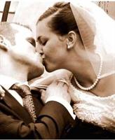 Evleniyoruz, Çünkü...
