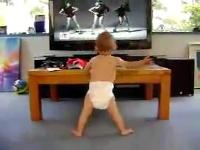 Bebek Dans Öğreniyor !