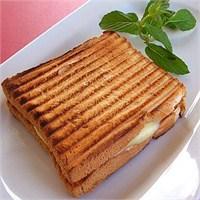 Kaşarlı Tost Kaç Kalori?