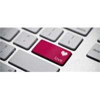 İlişkilerin Yeni İlk Adımı: Sosyal Medya