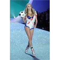 Victoria's Secret 2013 Defilesi