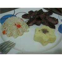 Kekikli Biftek, Havuçlu Pilav Ve Pratik ( Sütlü )