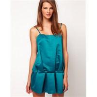 Saten Elbiseler Yeniden Cıvıl Cıvıl Renklerle