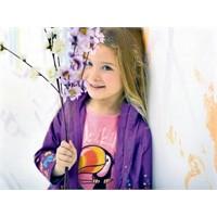 2011 LC Waikiki Çocuk Modelleri