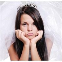 'küçük' Yaşta Evlilik, 'büyük' Sorun Demek!