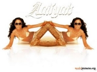 Aaliyah Resimleri – Aaliyah Wallpapers