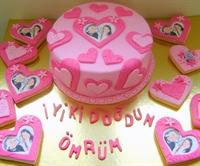 Pembe Kalpli Aşk Pastası