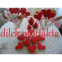 Sevgililer Günü İçin Önerilere Göz Atalim