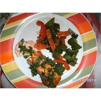 Som Balığı İzgara Ve Sebze Sote