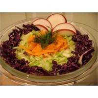 Acılı Turp Salatası