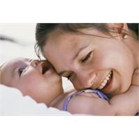 Doğumun zor olması anneyi strese sokabiliyor