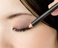 Göz Kalemi Nasıl Sürülür