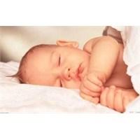 Bebeğinizin Daha Rahat Uyumasına Yardımcı Olun