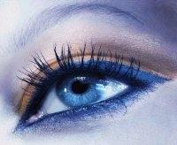 Doğru Göz Makyajı İle Gözlerinizi Renklendirin