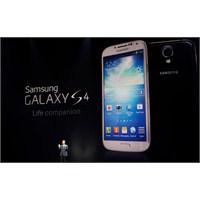 Galaxy S4'ün Çizilmez Camı Bıçaklandı!