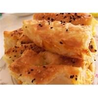Pırasalı Patatesli Kol Böreği Tarifi