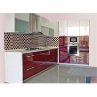 Kırmızı Beyaz Renkli Mutfak Dolapları