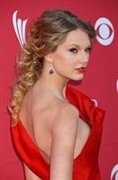 Taylor Swift Saç Modeli