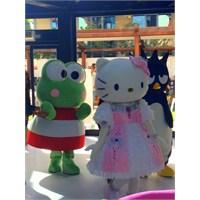 Hello Kitty World Sizleri Bekliyor