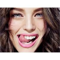 Diş Güzelliğimizi Sağlayan Besinler Neler?