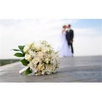 Düğün Stresinden Nasıl Kurtulabilirsiniz?