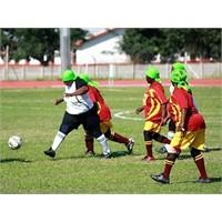 Kadınlar Da Futbol Konuşur ....