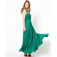 Yeşil Renklerle Hazırlanmış En Şık Elbiseler