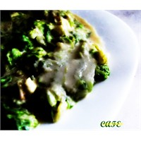 Tahin Soslu Marul Salatası