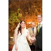 Kaliforniya'da Mağarada Bir Düğün Organizasyonu