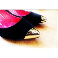 Yeni Ucu Metal Bodur Stiletto Ayakkabım ***
