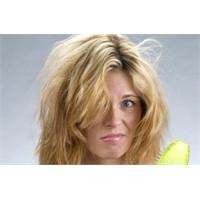 Saç Tellerinin Dökülmesi Normal Mi?