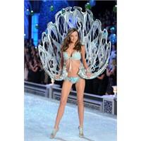 Victoria's Secret, 2011 Fashion Show İle Büyüledi