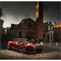 Aston Martin'in Yeni Kahramanı: Vanquish